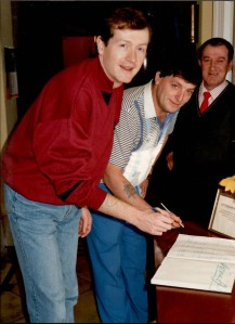 SteveDavis_CottinghamMemorialClub_Visit1990